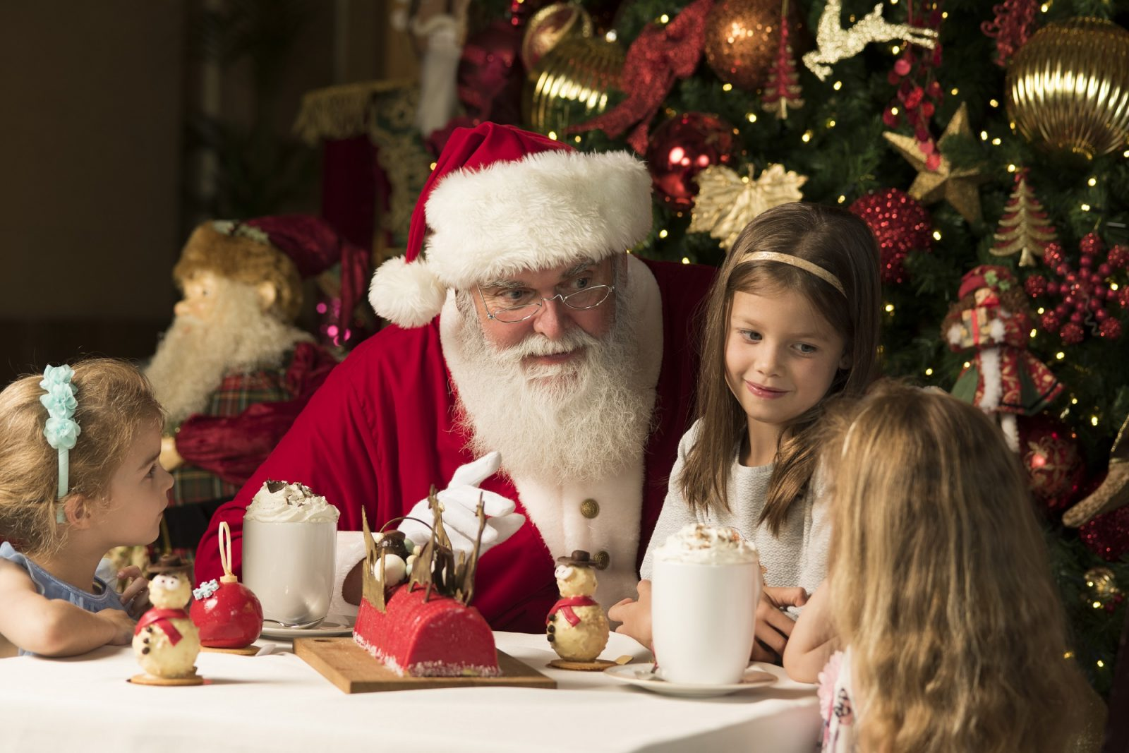Santa Claus at Fairmont The Palm
