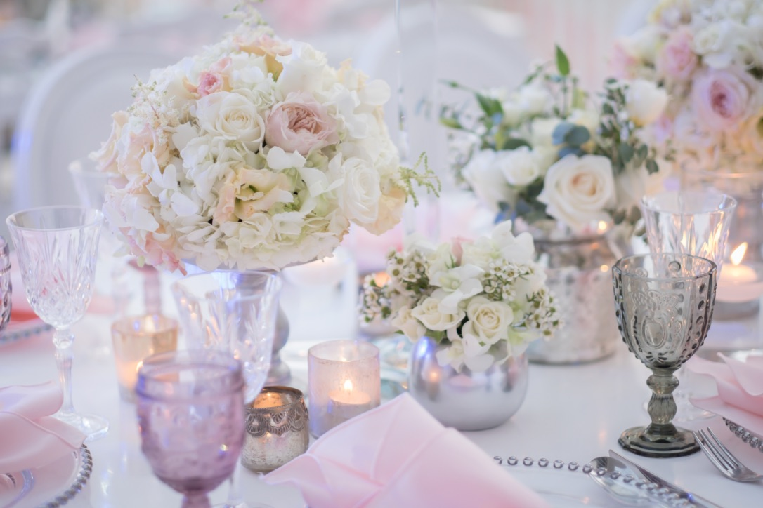 White and pink flower table centerpieces close up